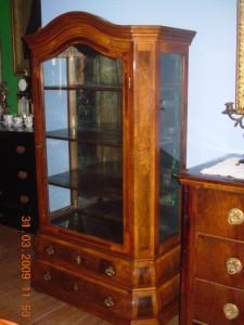 Antikvitet,vitrina,barok-bidermajer,namestaj