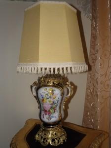 Antikvitet,lampa,neorokoko,namestaj